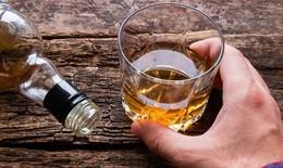 Cảnh báo nguy cơ lạm dụng rượu trong đại dịch COVID-19
