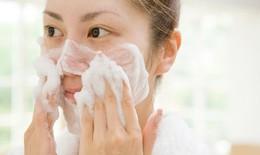 7 cách rửa mặt sai cách gây hại da