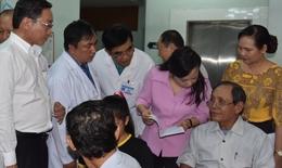 Bộ trưởng Bộ Y tế Nguyễn Thị Kim Tiến kiểm tra, thăm và chúc Tết tại Bệnh viện phía Nam