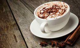 Caffein có ảnh hưởng tiêu cực lên phục hồi thính lực