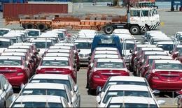 Xe ô tô nhập khẩu giảm hơn 60%
