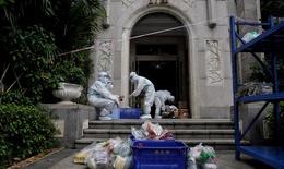 Lại bùng dịch COVID-19, Trung Quốc nâng mức phòng chống nghiêm ngặt