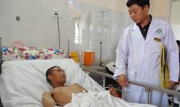 Hai bệnh viện cứu sống công nhân vệ sinh bị tai nạn vỡ đại tràng được trao tặng giấy khen