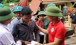 Hội Chữ thập đỏ cứu trợ 200 triệu đồng cho đồng bào bị thiệt hại do bão số 3 ở Thanh Hóa