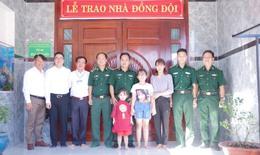 """Công ty Vedan Việt Nam trao tặng """"Nhà đồng đội"""" cho chiến sĩ biên phòng của khẩu cảng Gò Dầu"""