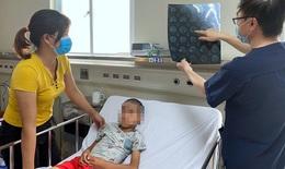Bác sĩ BV Nhi TW khuyến cáo: Vào mùa viêm não, cha mẹ cần chú ý khi trẻ có dấu hiệu sau