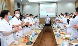 Bộ trưởng Nguyễn Thanh Long đón Giao thừa trực tuyến với 18 cơ sở điều trị bệnh nhân COVID-19
