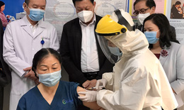 Thứ trưởng Đỗ Xuân Tuyên: Quảng Ninh cần quán triệt tinh thần 5K + vắc xin; tránh để dịch chồng dịch