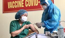 Bộ trưởng Bộ Y tế: Thực hiện tiêm vắc xin COVID-19 an toàn, xử trí kịp thời các trường hợp tai biến nặng sau tiêm