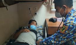 Vượt biển cấp cứu ngư dân đau ruột thừa cấp