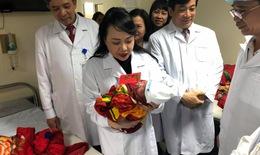 Bộ trưởng Bộ Y tế thăm, chúc Tết  các bệnh viện đêm giao thừa 2018 tại Hà Nội