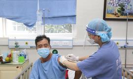 Chiều 17/10: Đã tiếp nhận 92,5 triệu liều vaccine; Chỉ xét nghiệm hành khách ở vùng dịch cấp 4