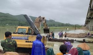 Mưa lớn ở miền Trung: 3 người mất tích, 1 người bị cây ngã đè phải đi cấp cứu
