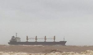 Thông tin mới vụ tàu hàng cùng 20 thuyền viên mắc cạn trên vùng biển Quảng Trị