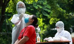 Ngày 22/10: Có 3.985 ca mắc COVID-19 và 5.202 người khỏi bệnh, số tử vong giảm mạnh còn 55 ca