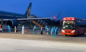 """""""Chuyến bay 0 đồng"""" đưa hơn 200 người Nghệ An từ vùng dịch trở về"""