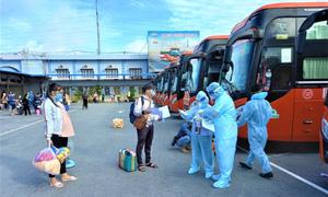 Sóc Trăng: Tổ chức đón công dân từ TP.HCM về quê an toàn