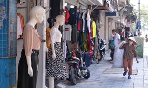 Thời trang phố cổ Hà Nội nhộn nhịp ngày đầu kinh doanh trở lại