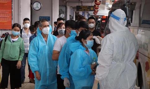 Thích ứng an toàn, linh hoạt với COVID-19: Thêm nhiều địa phương bỏ kiểm soát xét nghiệm PCR, bỏ giấy đi đường