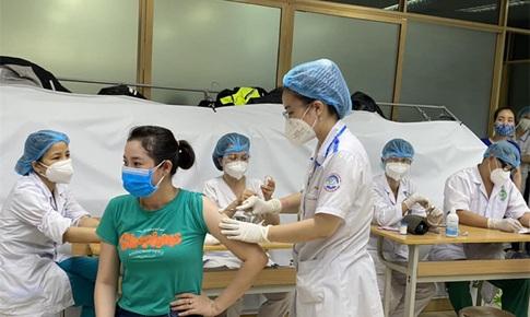 Bộ Y tế: Kết hợp việc cấp Căn cước công dân và tiêm vaccine phòng COVID-19