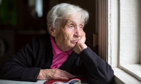4 dấu hiệu báo động về sức khỏe cha mẹ già mà con cái cần nhận biết