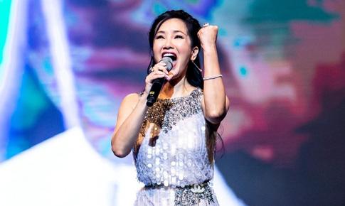 Diva Hồng Nhung: 'Đêm nằm mơ phố' đến 'Có những con đường'