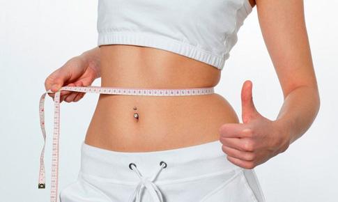 5 cách uống nước giúp bạn giảm cân khi tập luyện