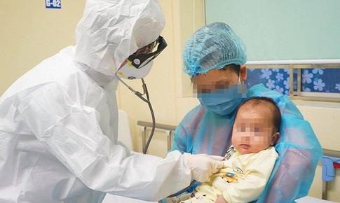 Nguy cơ cao lây lan bệnh trong gia đình khi trẻ nhỏ mắc COVID-19