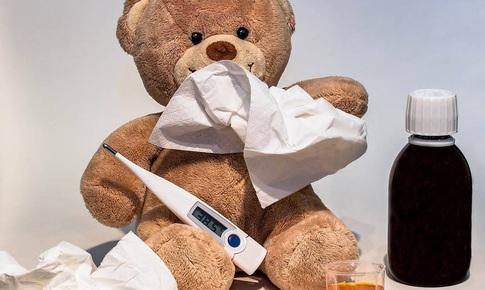 Trẻ ốm, khi nào cần dùng thuốc kháng sinh?