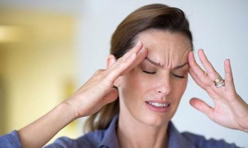 Day ấn huyệt chữa đau  đầu