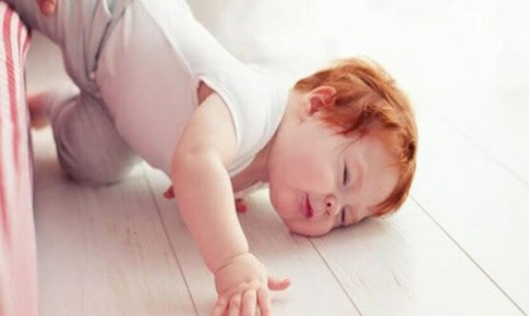 Trẻ ngã đập đầu mạnh mới gây tổn thương não - Quan  niệm sai lầm