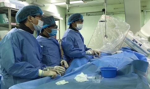 30 phút cứu sống bệnh nhân người nước ngoài nhồi máu cơ tim cấp