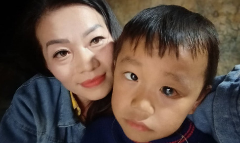Thông tin mới nhất về sức khỏe của cậu bé dân tộc H'Mông nguy cơ mù hai mắt vì nhà nghèo