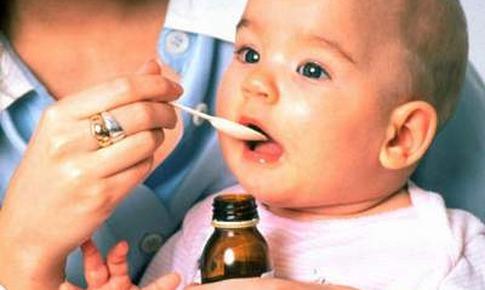 Trẻ bị ho, dùng thuốc như thế nào?