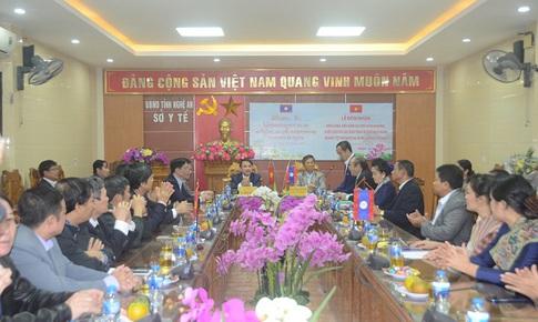 Hợp tác y tế Nghệ An và Xiêng Khoảng, nước CHDCND Lào bước lên tầm cao mới