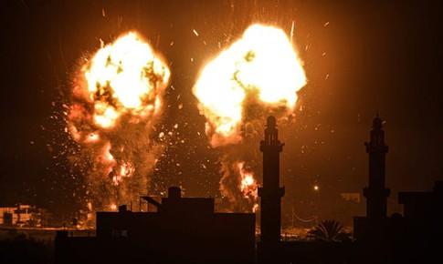 Israel không kích Gaza để trả đũa vụ thả bóng bay chứa chất nổ