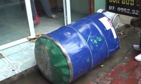 Yên Bái: Nhờ hàng xóm cắt thùng phuy xăng, hai người nhập viện cấp cứu