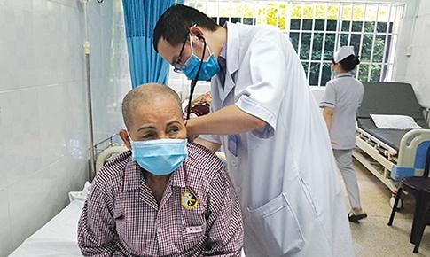 Đông - Tây y kết hợp  trong chữa bệnh  ung thư