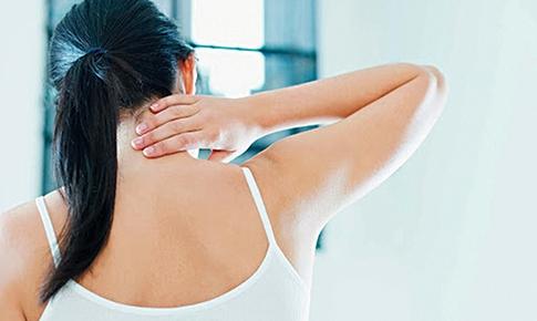 Hội chứng cổ vai và tư thế hằng ngày của bạn