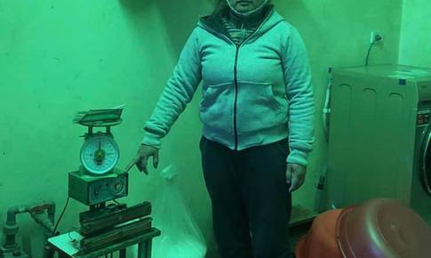 Hà Nội: Một phụ nữ buôn bán phụ gia, thực phẩm giả bị khởi tố