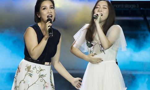 Diva Mỹ Linh: Con sẽ sáng tác tiếng Việt khi đủ chín