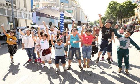 2.000 em nhỏ đã có một thứ Bảy thân thiện với môi trường tại phố đi bộ Hà Nội