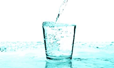 """Khỏe, đẹp hơn khi uống nước điện giải ion kiềm """"giải độc""""!"""