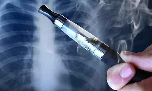 Cảnh báo: Sử dụng thuốc lá điện tử lâu dài đối mặt với nguy cơ bệnh tim mạch, tổn thương phổi