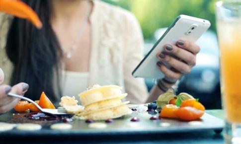 Từ bỏ ngay hôm nay những thói quen ăn uống sai lầm khiến cơ thể mệt mỏi