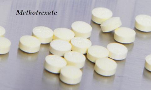 Điều trị viêm khớp dạng thấp bằng methotrexate không gây hại cho phổi