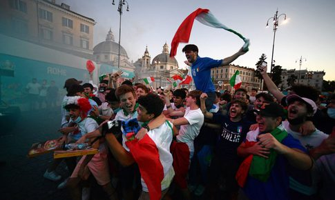 Italy hủy tất cả vé EURO2020 đã bán cho cổ động viên Anh vì lo ngại COVID-19