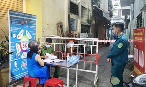 Ghi nhận 40 trường hợp dương tính trong 4 ngày, Đà Nẵng khẩn trương chống dịch